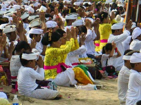 Bali tseremoonia Kruts Keelekaardid