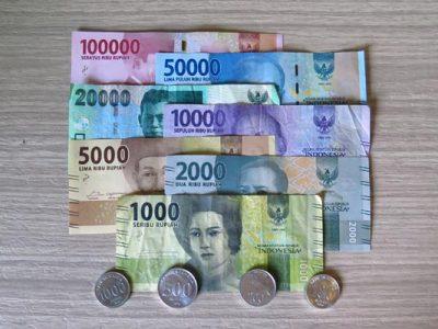 Indoneesia – raha, valuutavahetused ja pangaautomaadid